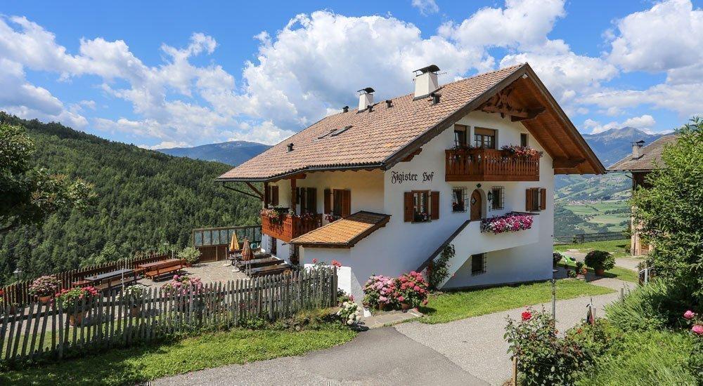 Herzlich willkommen in Ihrer Bauernhofpension in Südtirol!